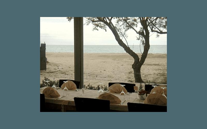 ristorante sulla spiaggia fermo