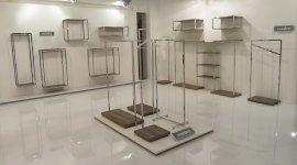 arredo negozi, sistemi modulari, mensole, appenderie
