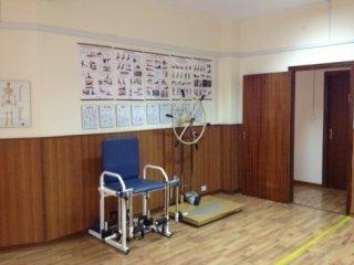 fisiokinesiterapia; Massaggi, ambulatorio di fisioterapia, trattamenti di riabilitazione; rieducazione motoria; ultrasuoni,