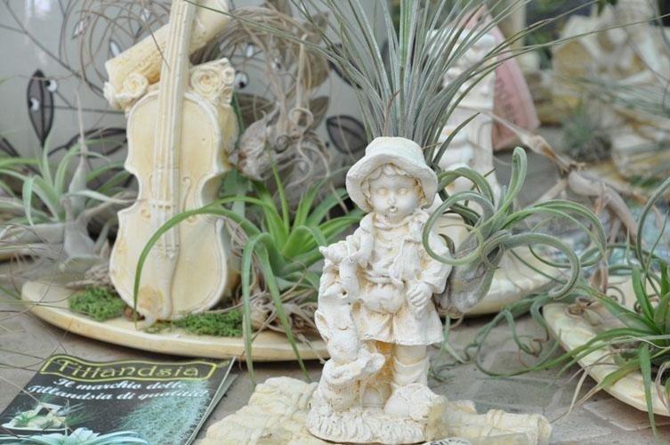 delle statuette da giardino