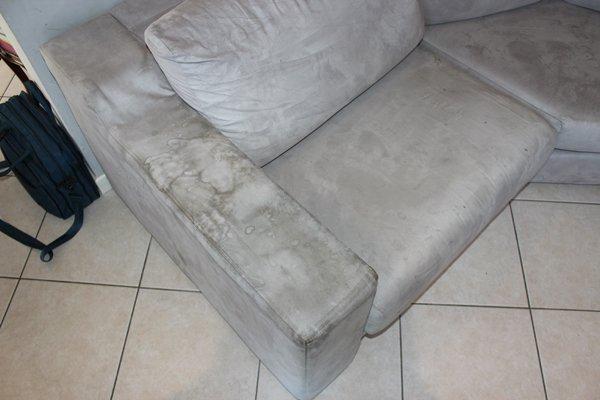 sedili in velluto sporchi