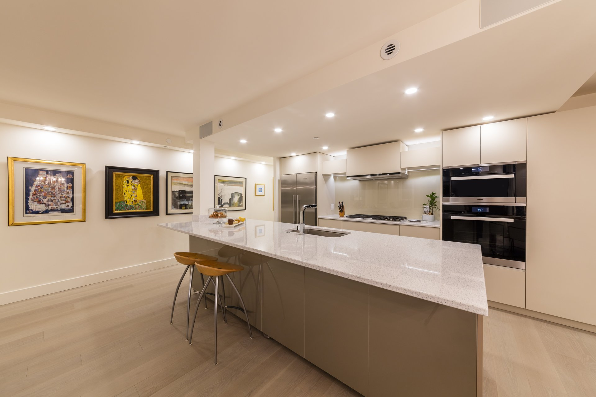 1033 Marinaside Yaletown Vancouver Kitchen Design & Renovations