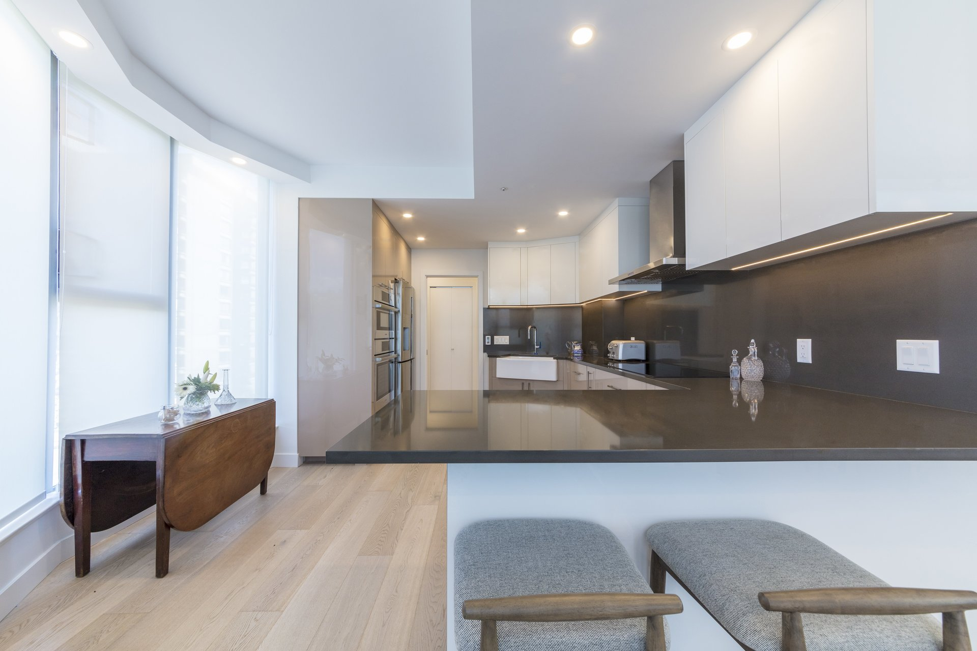 560 nicola coal harbour kitchen design renovations vancouver for Kitchen design vancouver