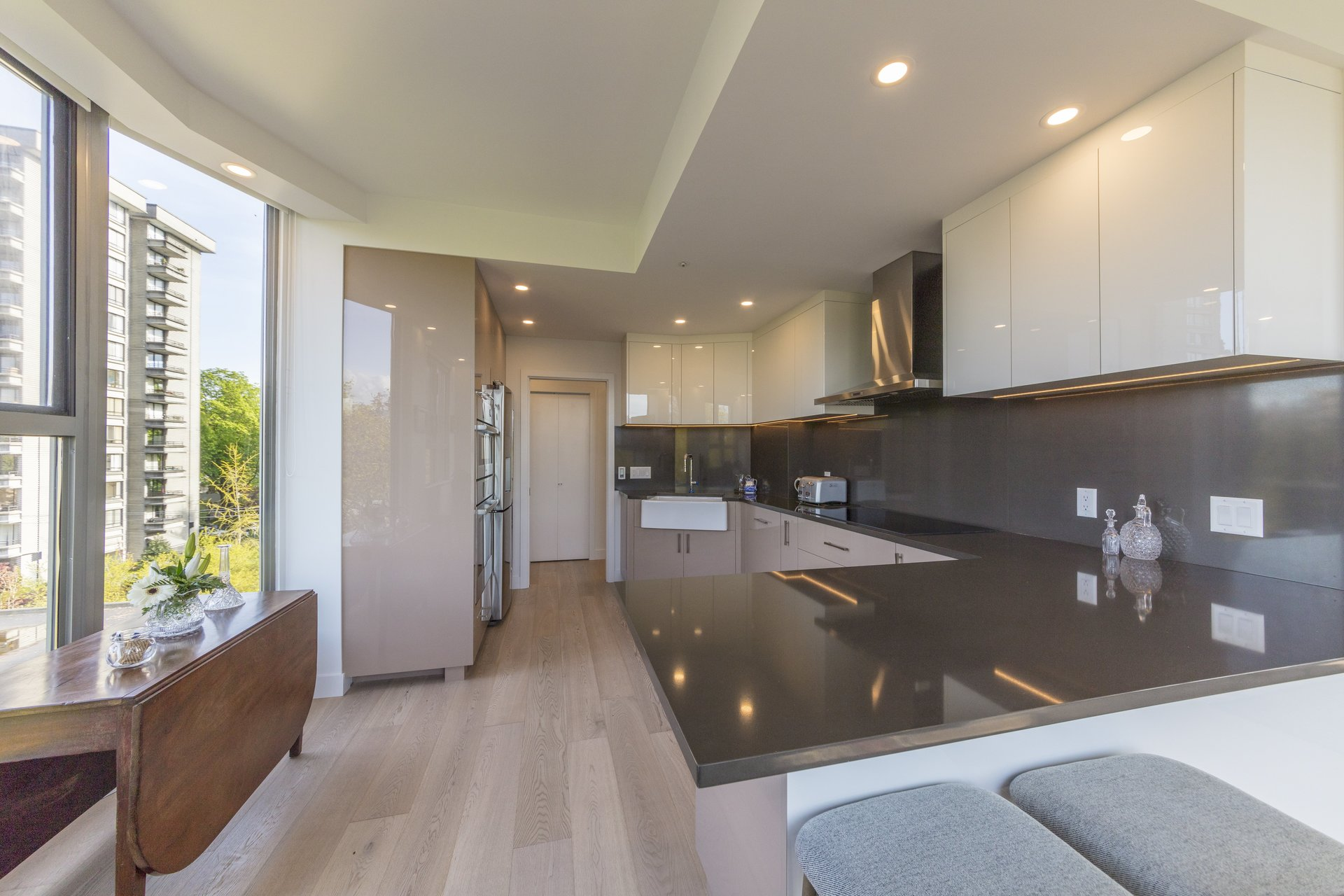 560 Nicola Coal Harbour Kitchen Design Renovations Vancouver