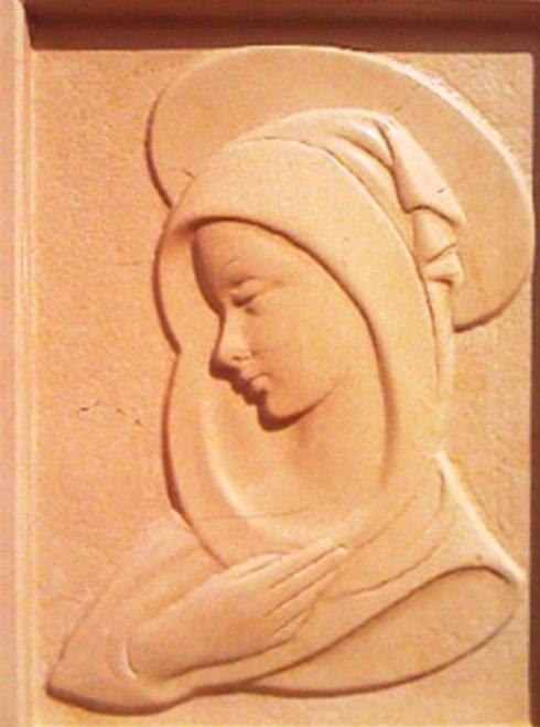 madonna in amrmo