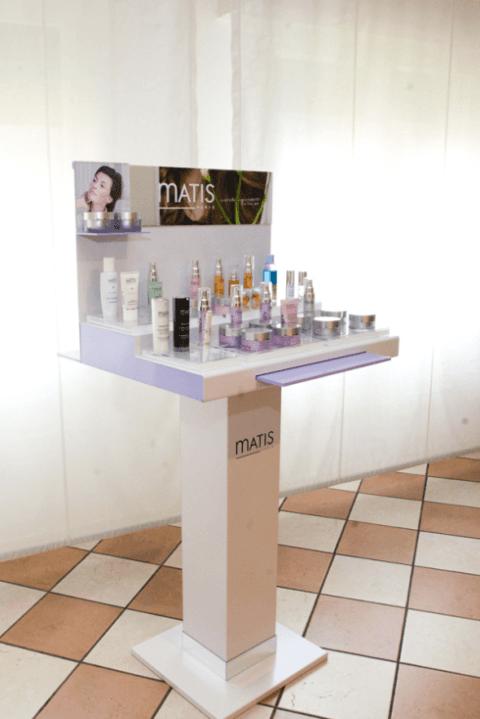 cosmetici in esposizione
