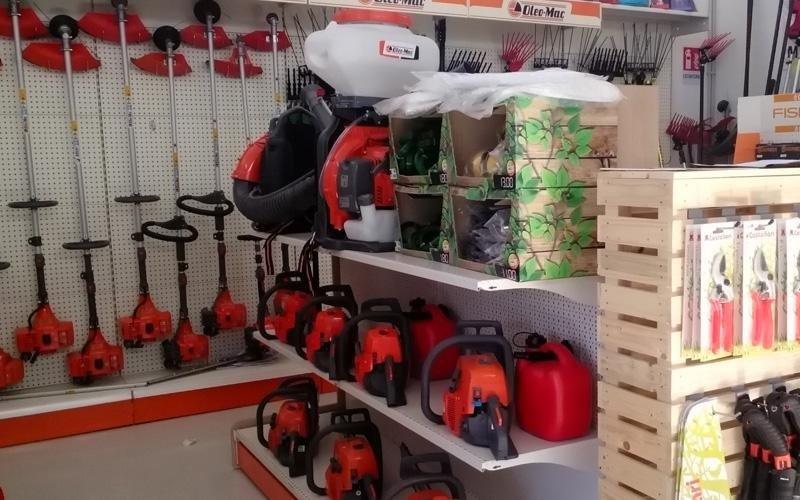 attrezzature per giardinaggio