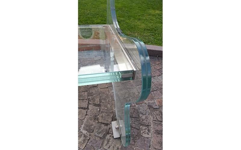 Panchina di vetro da esterno