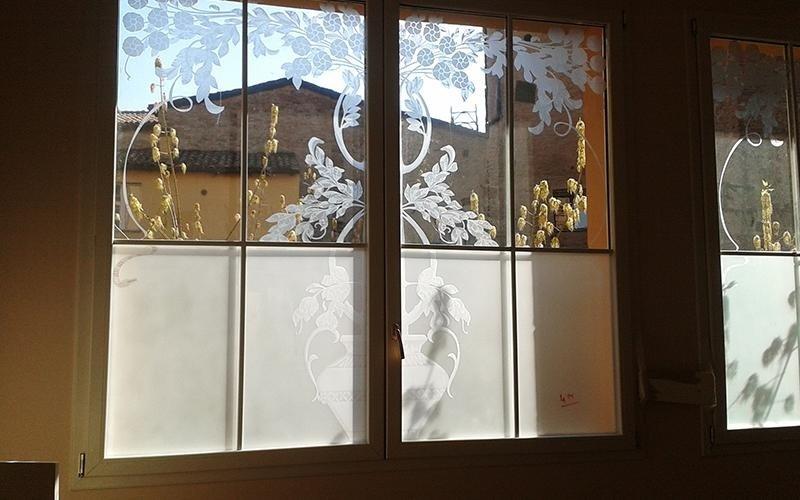 Finestra con decorazione vetro