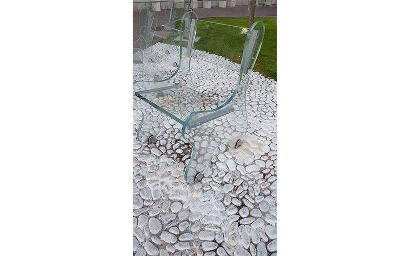 Sedia di vetro da giardino