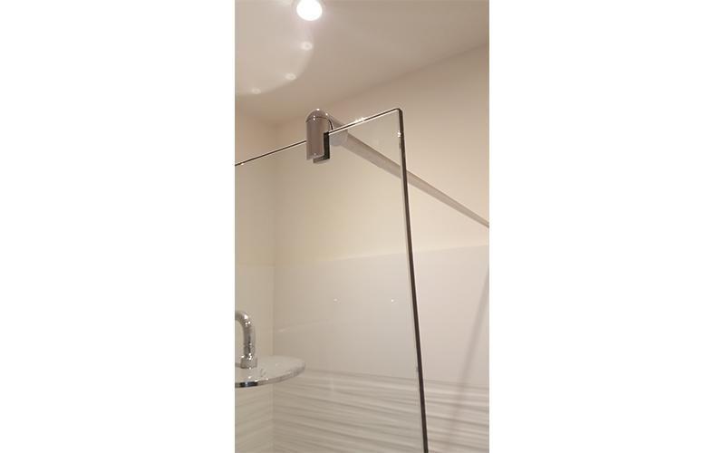 Protezioni in vetro su misura per doccia