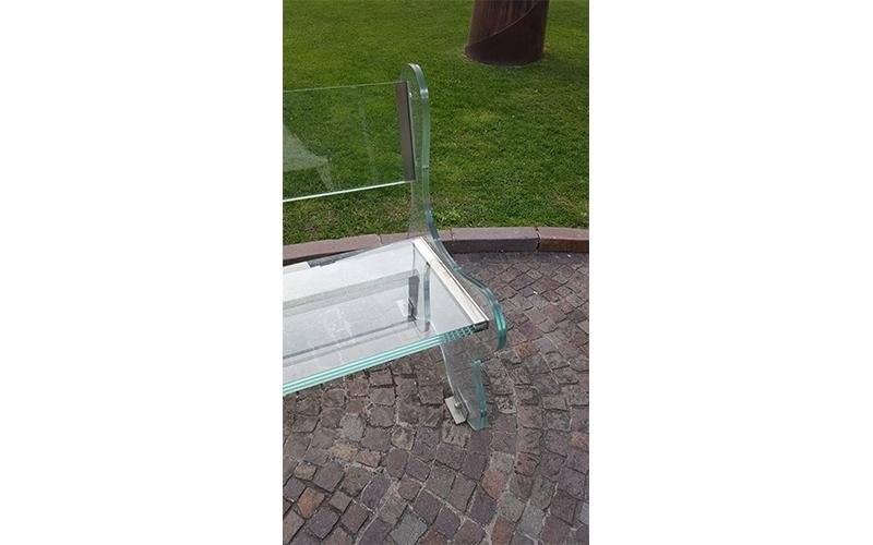 Panchina di vetro da giardino