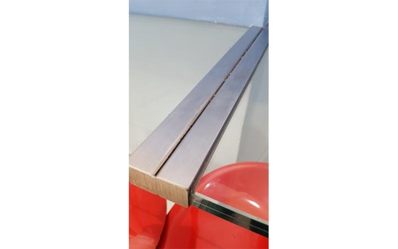 Dettaglio box doccia in vetro