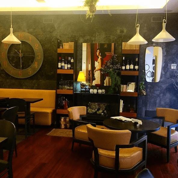 interno del bar
