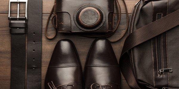 Scarpe eleganti ed altri accessori per gli uomini a Torino