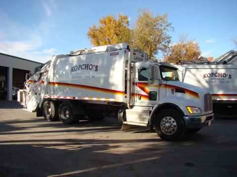 Weekly trash collection services for recycle in York, NE
