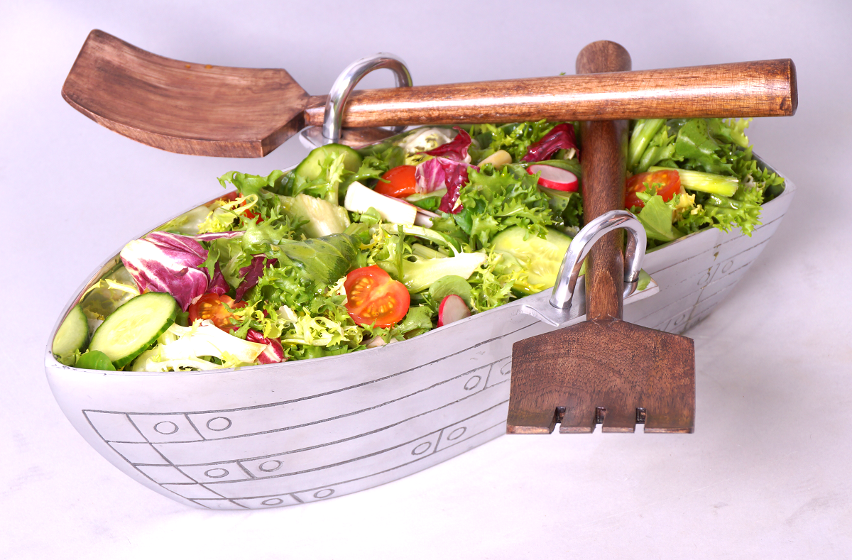Boat salad bowl
