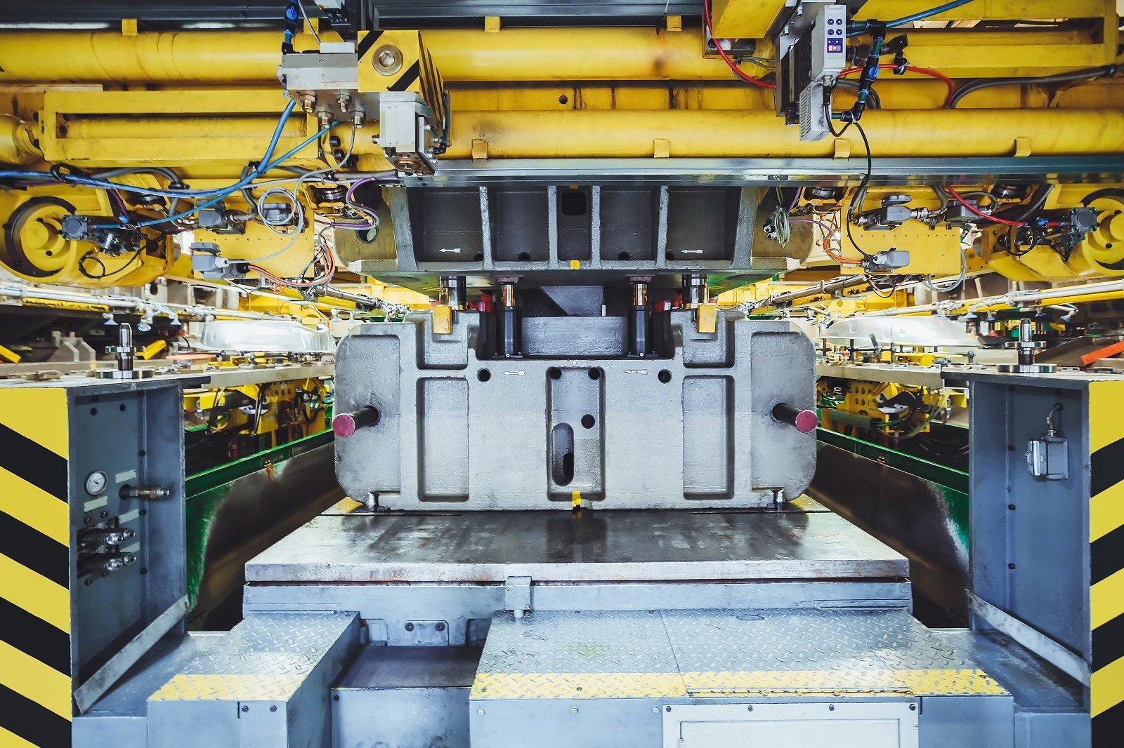 interno di fabbrica di produzione pneumatici