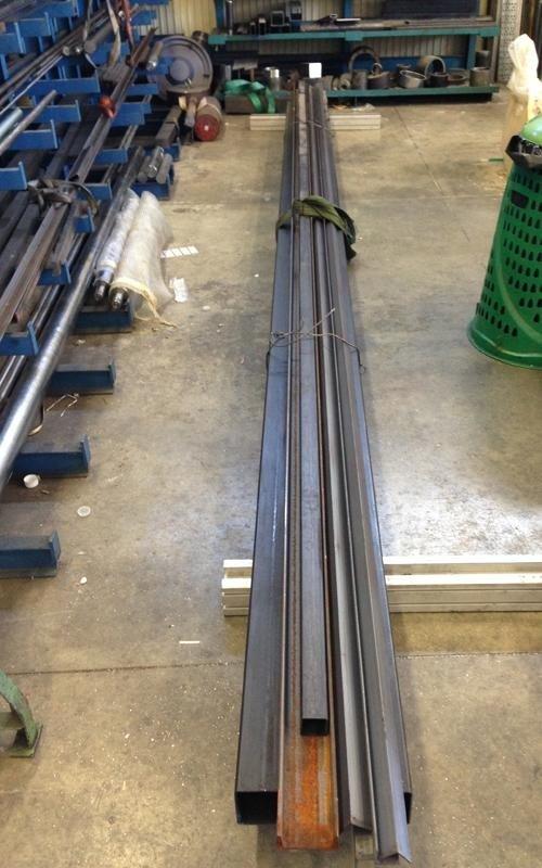 hydraulic component lifting