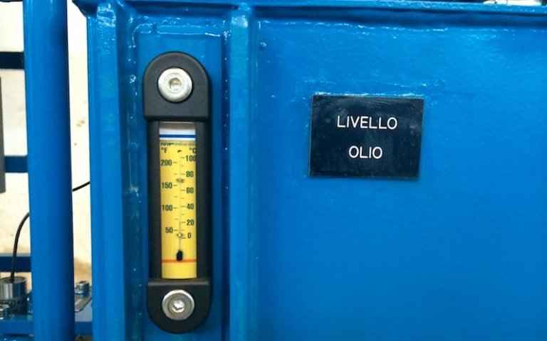 hydraulic power unit oil level control