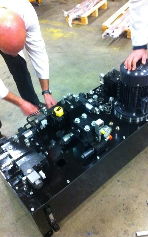 Fameccanica power unit component installation