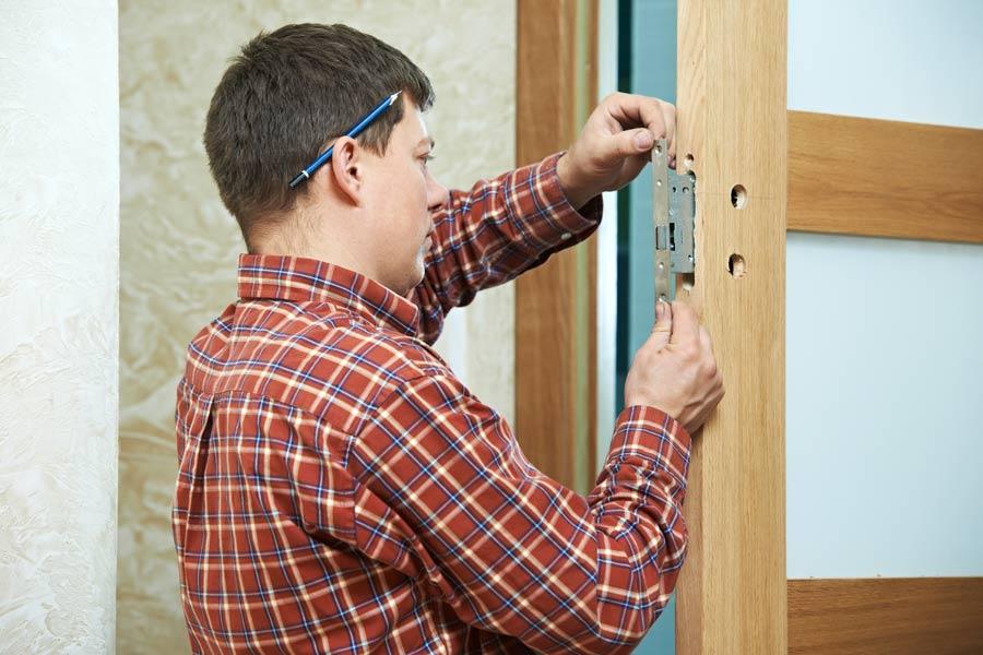 installing lock