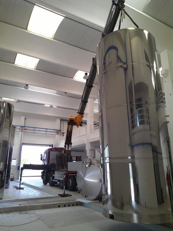 estrazione carico e posizionamento cisterne