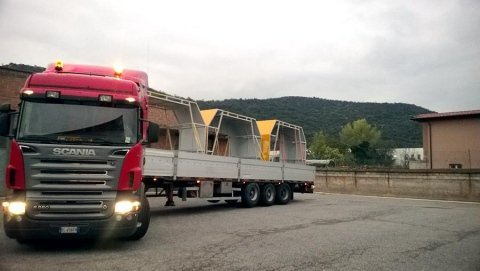 Servizio trasporto merci CHIODI