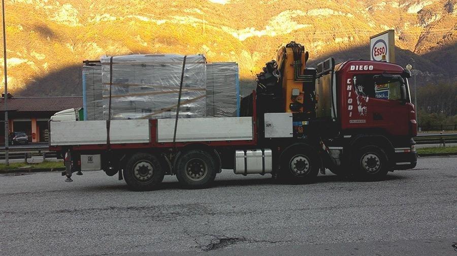 automezzo trasporto pedane legno