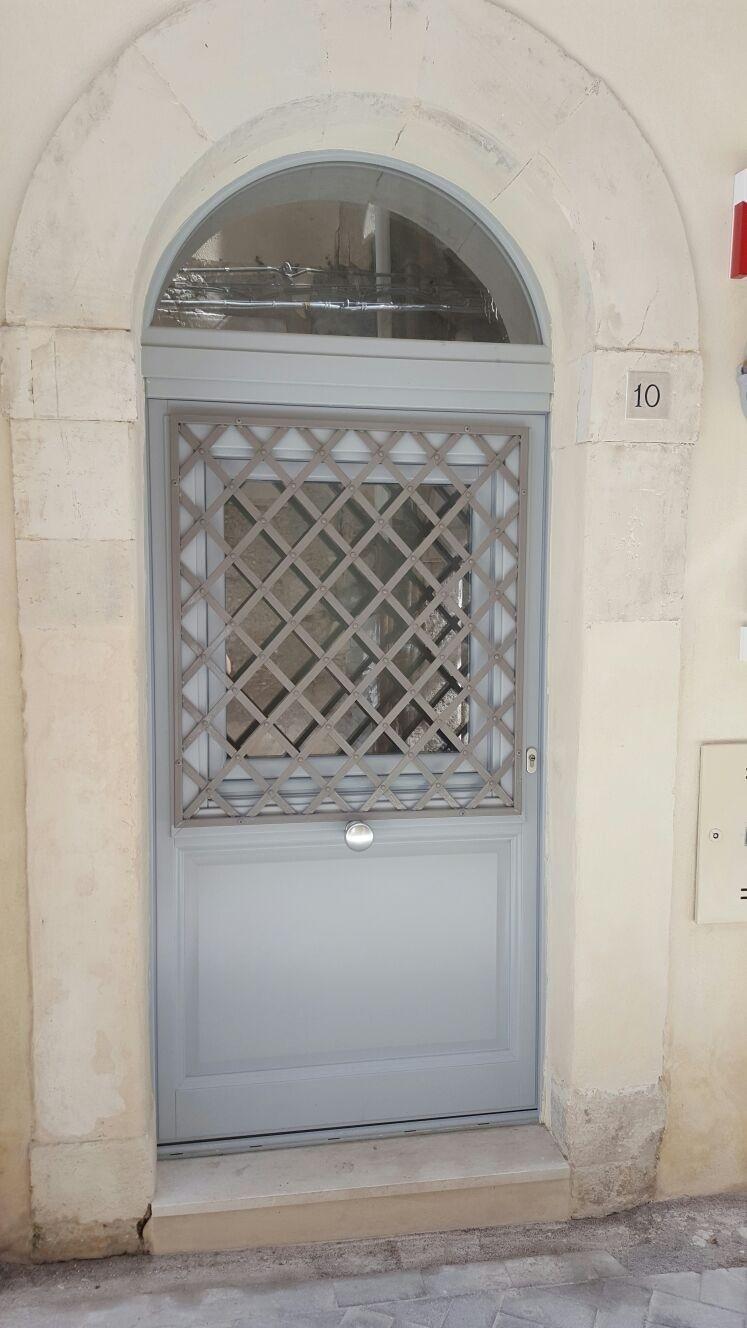 Progettazione porte in legno Catani