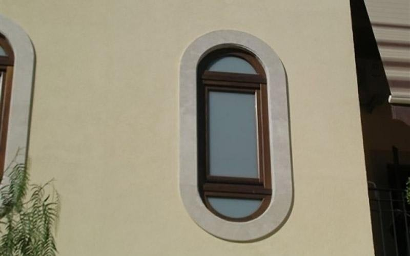 finestra ovale