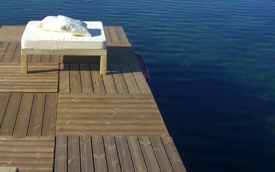 Quadrotti removibili a bordo lago