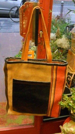 vendita borse colorate, commercio borse colorate, negozio borse colorate