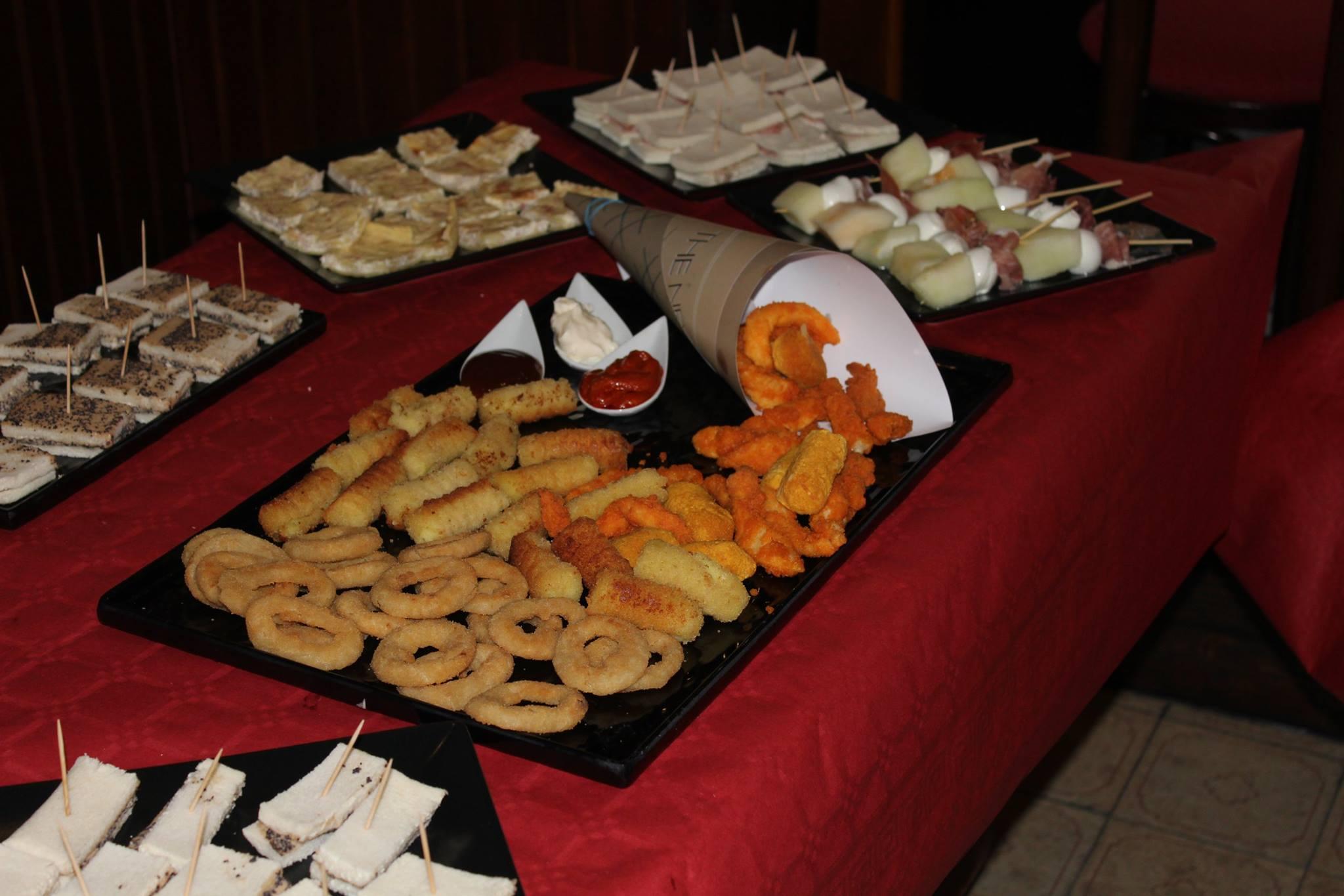degli anelli fritti, crocchette e altro
