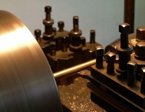 macchinario lavorazione corno