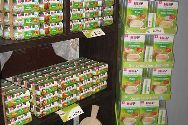Dei prodotti della marca HIPP senza zuccheri aggiunti