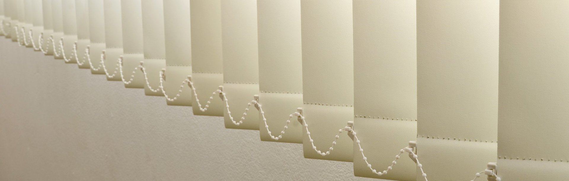 while vertical blinds