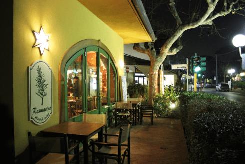 locale tavoli esterni, pizzeria tavoli esterni, ristorante tavoli fuori