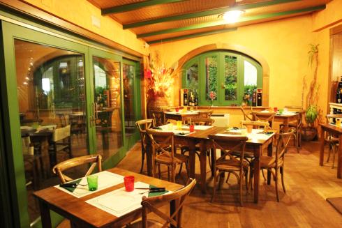 sale ristorante legno, ristorante romantico, ristorante tradizionale