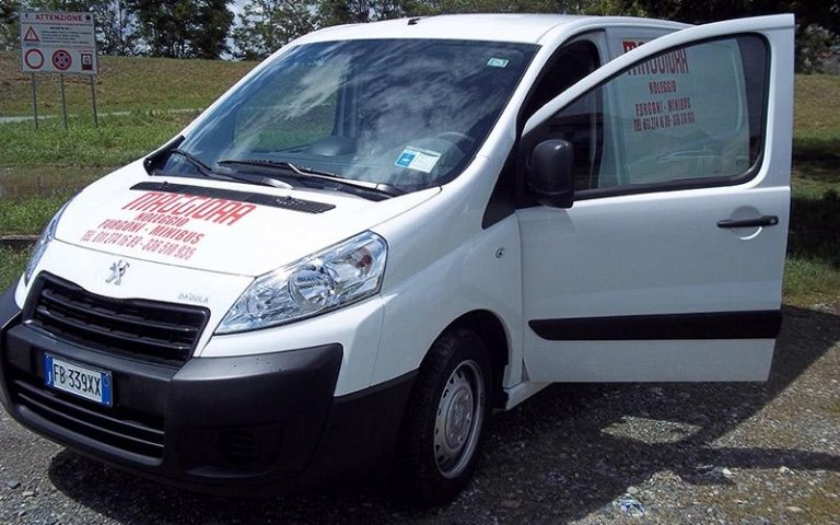 Noleggio furgone Peugeot