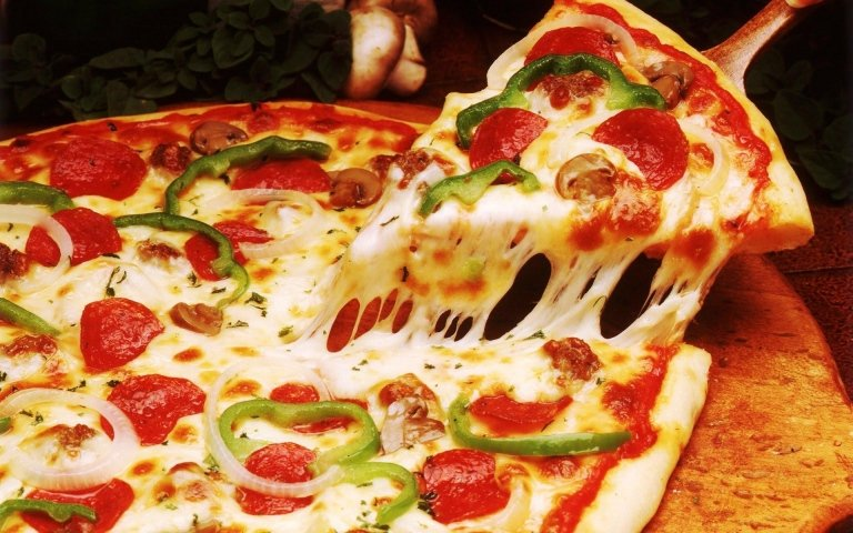 pizza bibita ballo 10euro