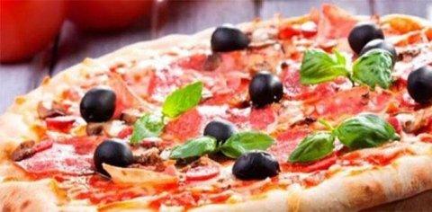 pizza e bebida 7€