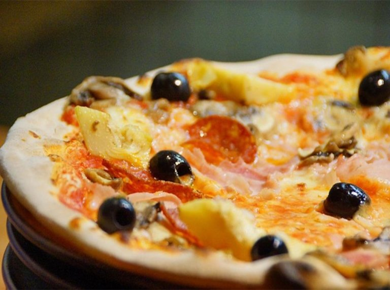 Pizzas for all seasons and 4 seasons pizzeria