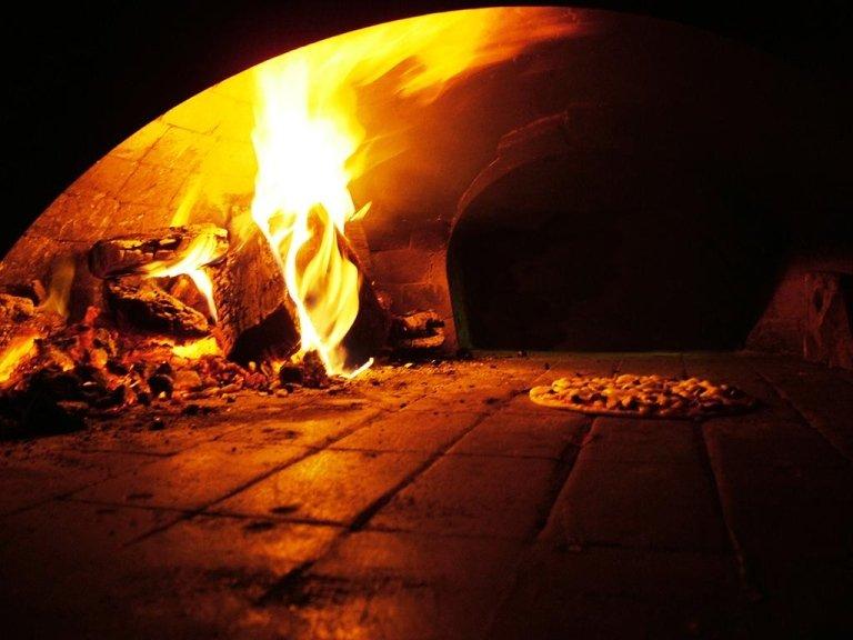 Пиццерия с дровяной печью в Кадонеге, Падуя