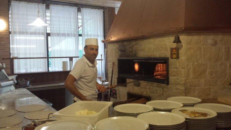 Пиццерия с дровяной печью