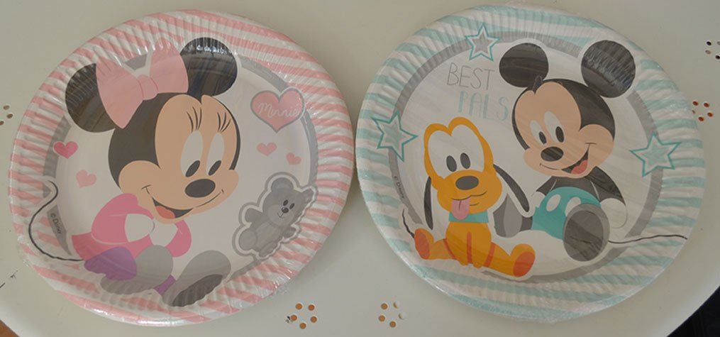 Piatti di plastica con Minnie e Topolino per feste ed eventi a Bari