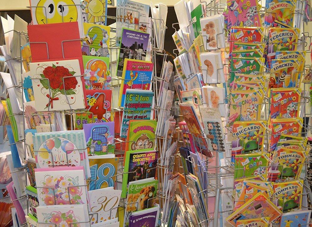 Cartoline di auguri con personaggi dei fumetti a Bari