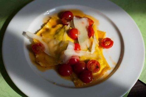 ravioli al pomodorino fresco