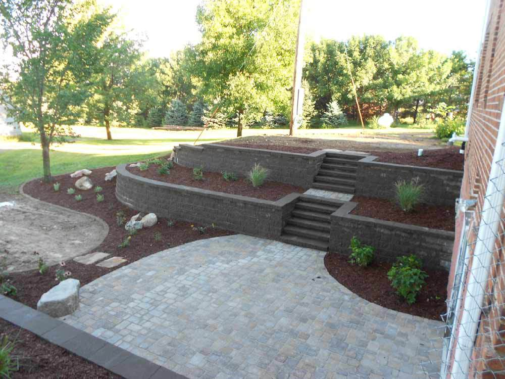 retaining wall steps