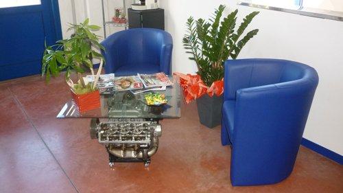 ufficio con poltrone blu